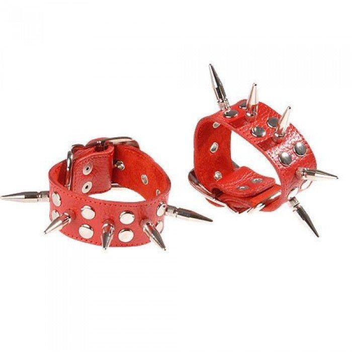 Наручники кожаные с шипами и заклепками, красные