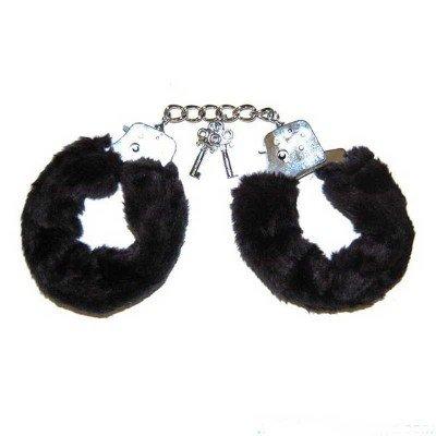 Металлические наручники, обшитые чёрным мехом
